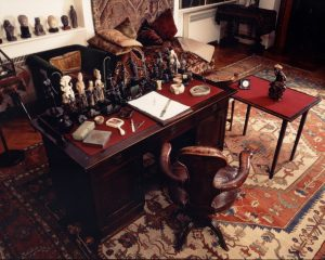 Freud's Consulting Room, London. (c) Photo courtesy of the Freud Museum, London